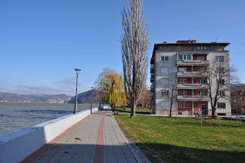 Apartman Bogojevic - zgrada i šetalište